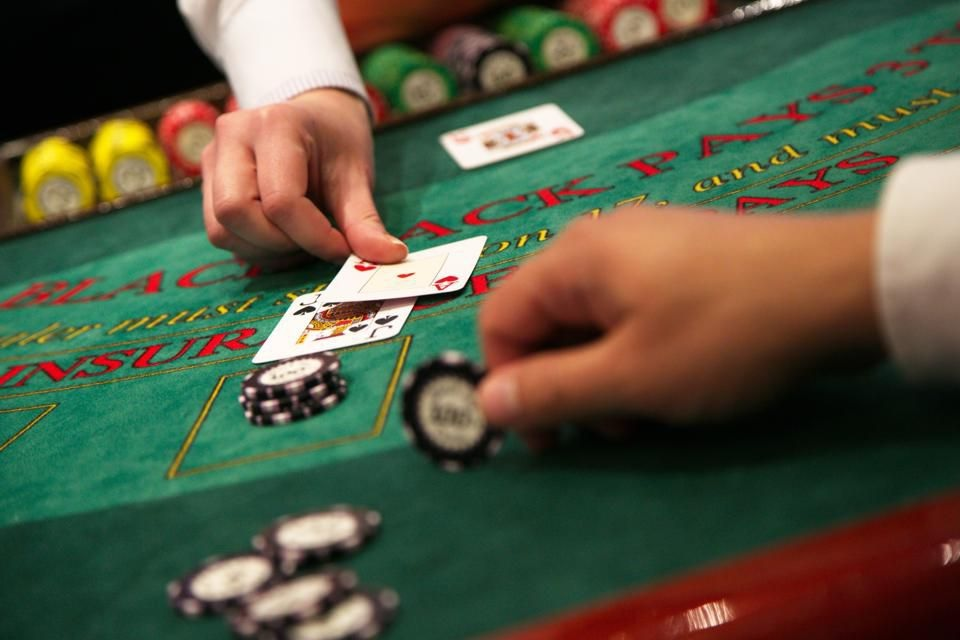 You must know Blackjack Player Moves