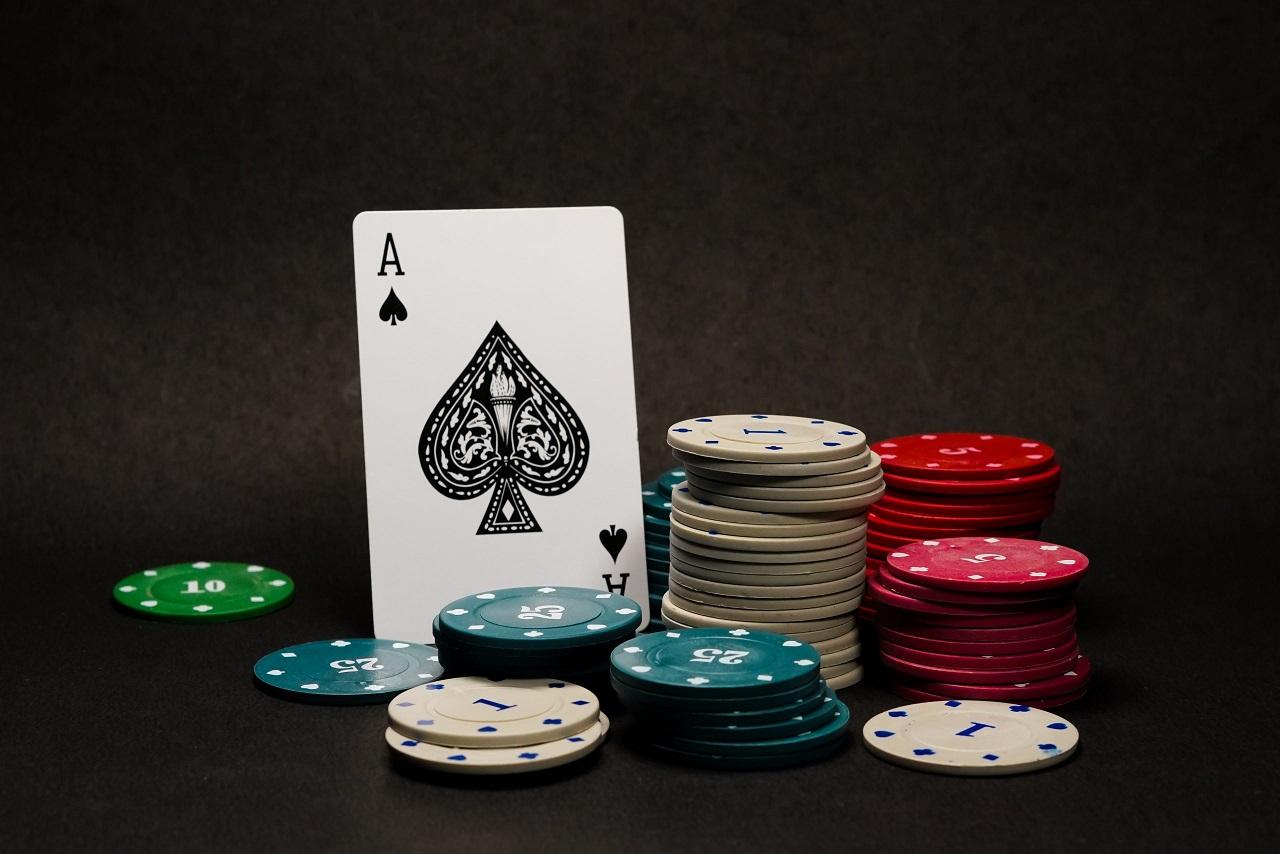 Bandarqq Online a New way to Gambling